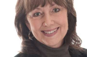 Headshot of Celebrity nutritionist Cherie Calbolm