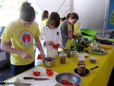 Students preparing food