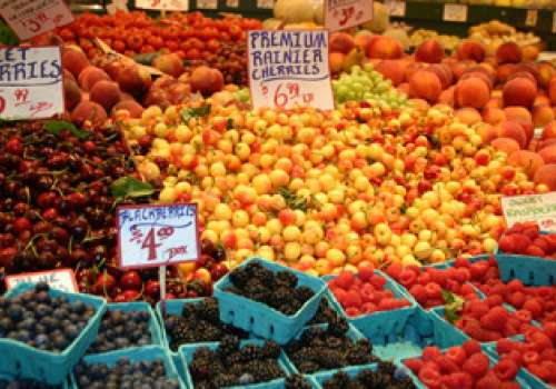 Local berries for sale at the Pike Place Market.