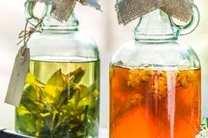 Herbal tinctures are natural alternatives to pain pills.